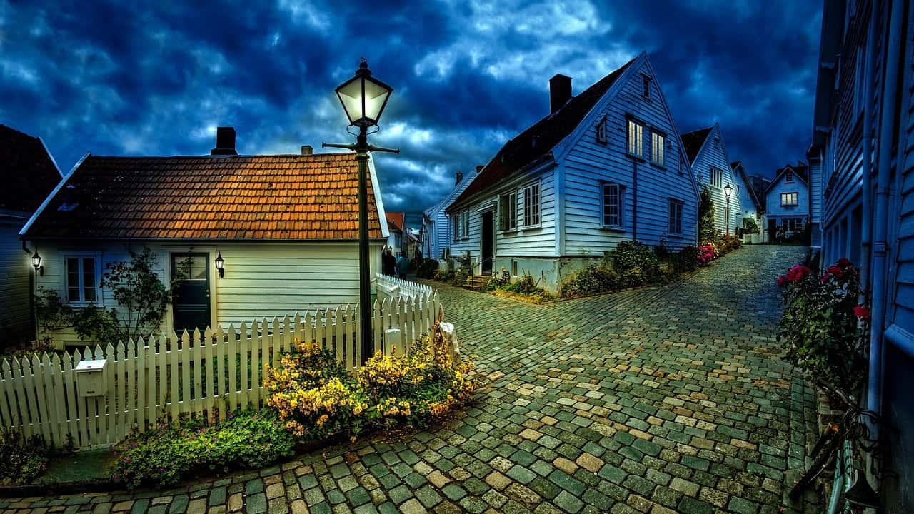 רחוב עם בתים