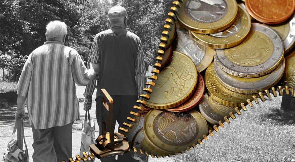 מטבעות וזוג מבוגרים