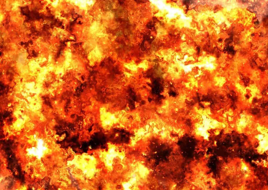 הבניין נשרף - האם ביטוח ועד בית מכסה זאת?